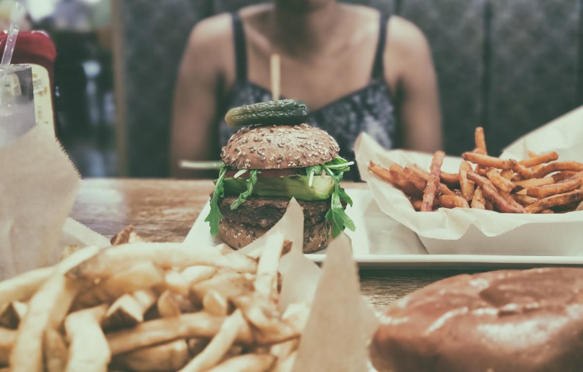 10 strategies to finally beat food cravings